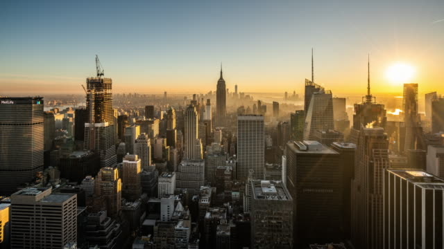 t/l ws ha zo view of manhattan skyline / new york city, usa - manhattan stock videos & royalty-free footage