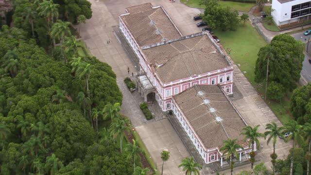 vídeos de stock e filmes b-roll de ws aerial view of mansion / rio de janeiro, brazil - cultura sul americana