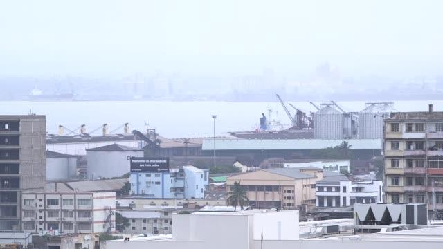 vídeos de stock e filmes b-roll de view of maputo's harbour, mozambique - moçambique