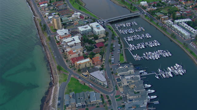 ws aerial zi ds view of marina / adelaide, south australia, australia - capital cities stock videos & royalty-free footage