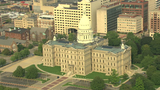 ms aerial zi view of michigan state capitol building  entrance / lansing, michigan, united states - michigan stock videos & royalty-free footage