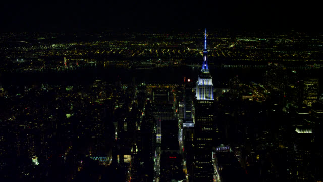 'WS AERIAL View of Midtown looking west with Chrysler and Empire State Buildings in City / New York City, United States'
