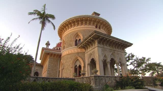 vídeos de stock e filmes b-roll de ws view of monserrate palace / sintra, lisboa, portugal - portugal