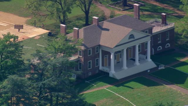 vídeos de stock e filmes b-roll de ws aerial zi view of montpelier (james madison's house) / virginia, united states - montpelier