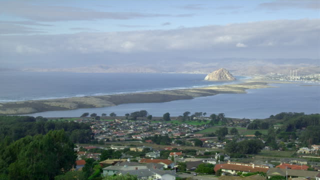 ws ha pan view of morro bay, california, usa - coastal feature stock videos & royalty-free footage