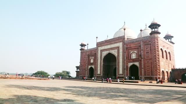 ws view of mosque at taj mahal / agra, uttar pradesh, india - agra stock videos and b-roll footage
