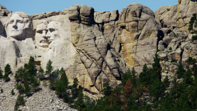 view of mount rushmore national memorial dakota usa - thomas jefferson stock videos & royalty-free footage