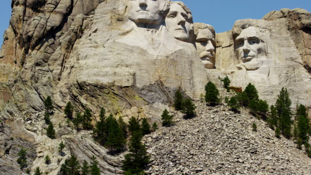 view of mount rushmore national memorial dakota usa - ジョージ・ワシントン点の映像素材/bロール