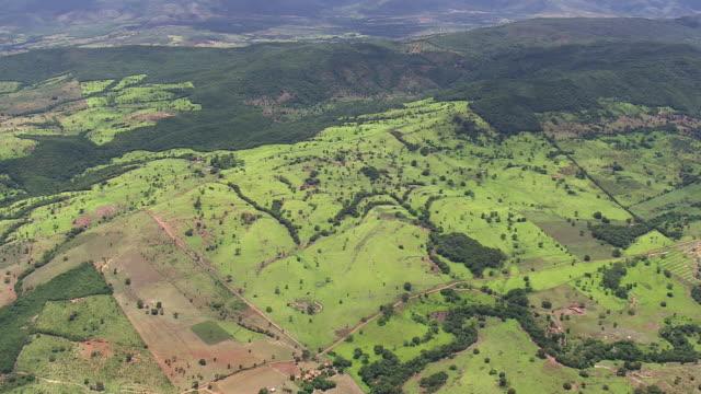 ws aerial td view of mountains / minas gerais, brazil - minas stock videos and b-roll footage