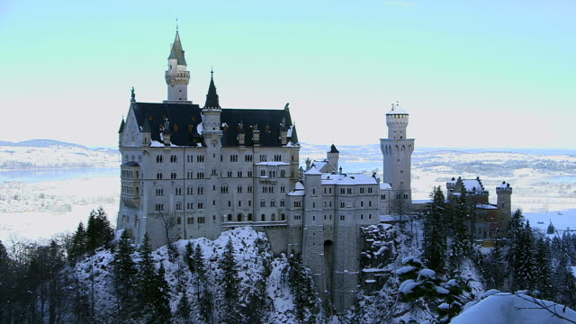 WS View of Neuschwanstein Castle near Fussen / Hohenschwangau, Bavaria, Germany