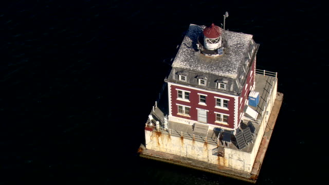 cu aerial zo ts view of new london ledge lighthouse / connecticut, united states - new london county connecticut stock videos & royalty-free footage