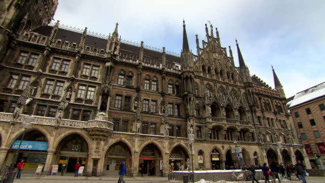 WS View of New Town Hall at Marienplatz/ Munich, Bavaria, Germany