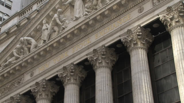 ms view of new york stock exchange / new york city new york usa - frontgiebel stock-videos und b-roll-filmmaterial