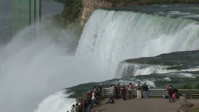 view of niagara water fall in new york united states - fluss niagara river stock-videos und b-roll-filmmaterial