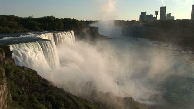 vídeos y material grabado en eventos de stock de view of niagara waterfalls in new york united states - cataratas del niágara