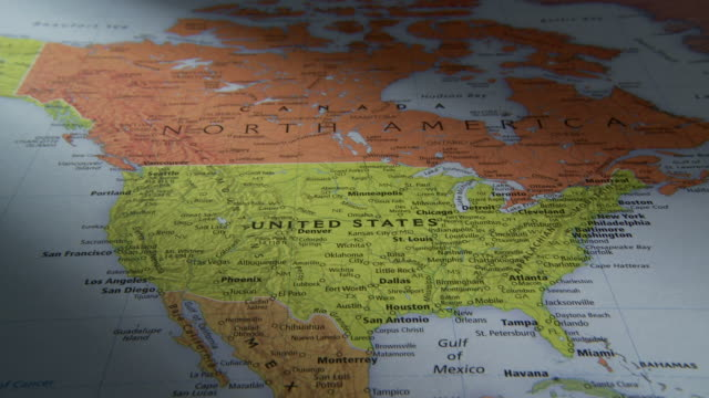 stockvideo's en b-roll-footage met cu pan view of north and south america in world map / atlanta, georgia, usa - verenigde staten