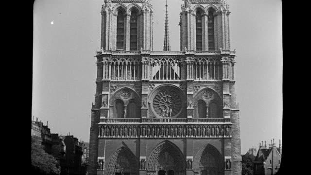 ms td view of notre dame cathedral / paris, france - notre dame de paris stock videos & royalty-free footage