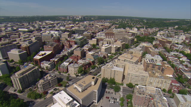 ws aerial view of of rosslyn / washington, dist. of columbia, united states - arlington virginia video stock e b–roll