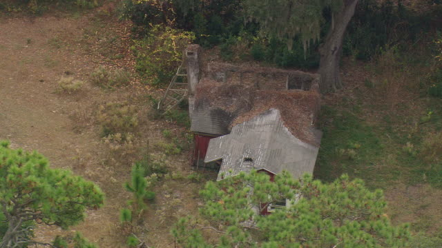 ms aerial view of old african baptist church ruins / georgia, united states - バプテスト点の映像素材/bロール