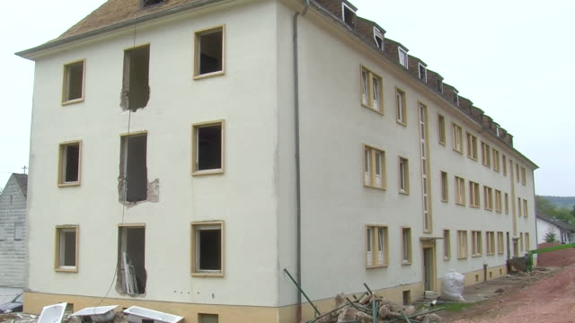 ms view of old building / saarburg, rhineland-palatinate, germany - saarburg stock-videos und b-roll-filmmaterial
