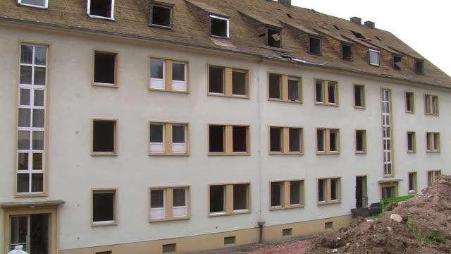 ms pan view of old building / saarburg, rhineland-palatinate, germany - saarburg stock-videos und b-roll-filmmaterial