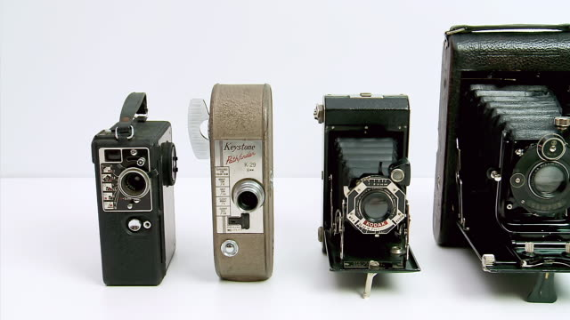 ws pan view of old cameras / estepona,espana, malaga, spain   - 五つ点の映像素材/bロール