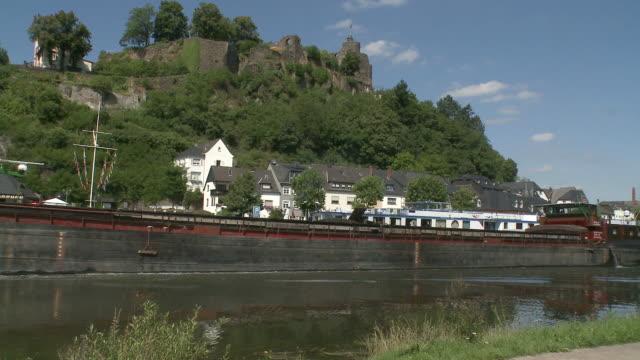 ws view of old town and castle ruin near river saar / saarburg, saar-valley, rhineland-palatinate, germany - saarburg stock-videos und b-roll-filmmaterial