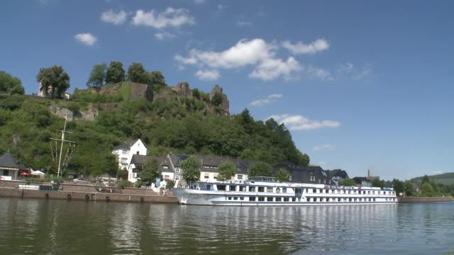 ws t/l view of old town and castle ruin near river saar / saarburg, saar-valley, rhineland-palatinate, germany - saarburg stock-videos und b-roll-filmmaterial