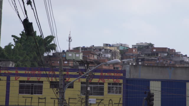 vídeos de stock, filmes e b-roll de view of one of sao paulo´s suburb and shanty town - cabo