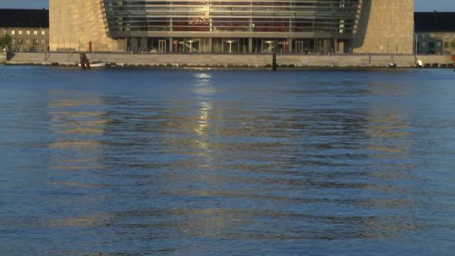 ws tu view of opera house / copenhagen, denmark, denmark - オーレスン地域点の映像素材/bロール