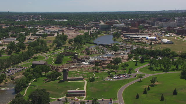 WS AERIAL TS ZI View of orbit Falls Park / Sioux Falls, South Dakota, United States