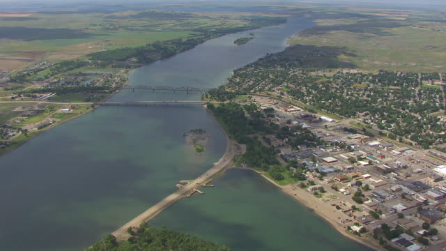 ws aerial ts view of over la framboise island and missouri river / pierre, south dakota, united states - south dakota stock videos and b-roll footage
