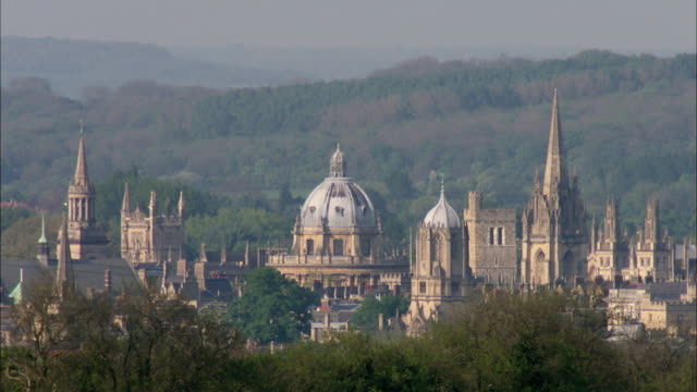 ms view of oxford university and christchurch cathedral / united kingdom - oxford england stock videos & royalty-free footage