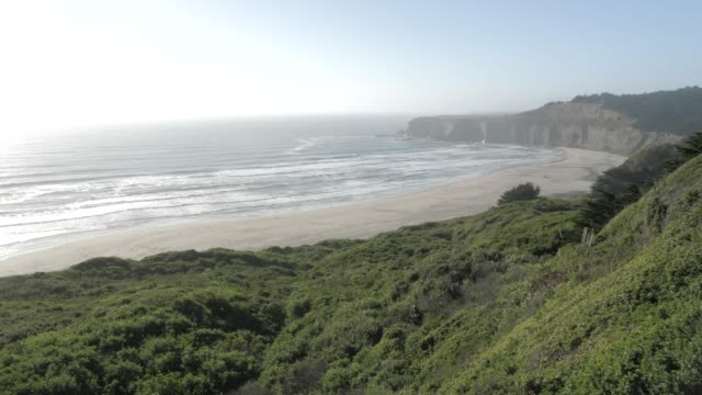 view of pacific ocean near half moon bay, california, united states of america, north america - north pacific ocean stock videos & royalty-free footage