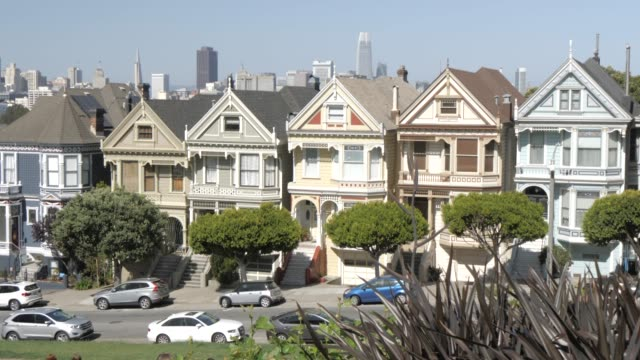 view of painted ladies in alamo square, san francisco, california, united states of america, north america - kraneinstellung stock-videos und b-roll-filmmaterial