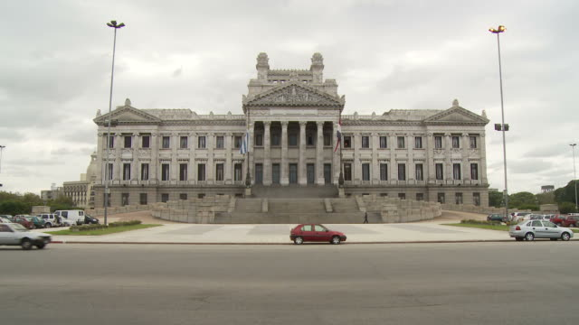 view of palacio legislativo, uruguay - uruguay stock-videos und b-roll-filmmaterial