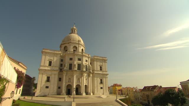 vídeos de stock, filmes e b-roll de ms view of pantheon / lisbon, portugal  - 17th century style