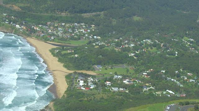 WS AERIAL ZI View of paragliding over seashore / Stanwell Park, Sydney New South Wales, Australia
