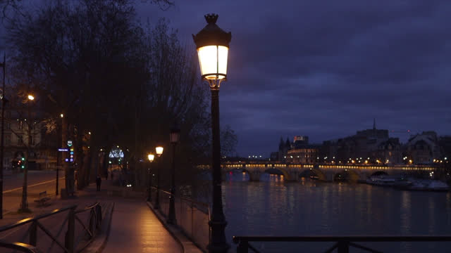 view of paris, along the seine after the 7 p.m. curfew - 4k stock videos & royalty-free footage