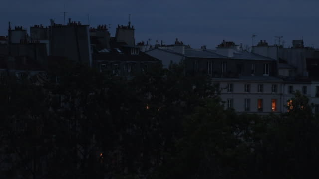 vidéos et rushes de view of paris at night - nuit