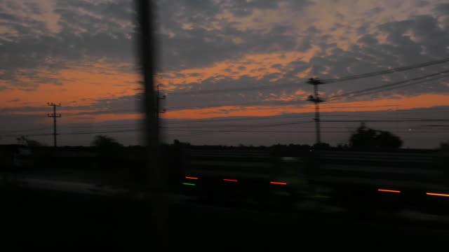 vidéos et rushes de vue de paysage de passage, 4 k - regarder par la fenêtre