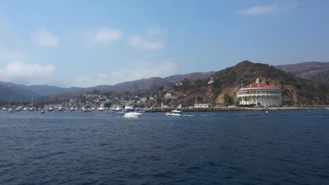 ws pov view of pavillion / catalina island, ca, united states - channel islands california stock videos & royalty-free footage