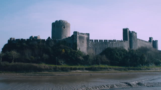 ws a view of pembroke castle / pembroke, wales, united kingdom - pembroke stock videos & royalty-free footage