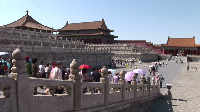 view of people walking in forbidden city in beijing china - 宗教施設点の映像素材/bロール
