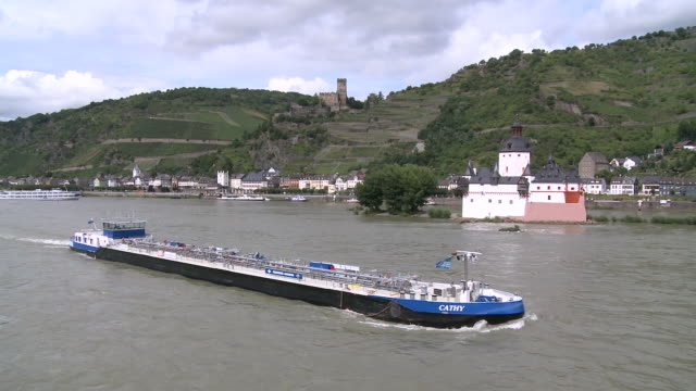 ws view of pfalzgrafenstein castle and gutenfels castle near village kaub / rhine-valley,  rhineland-palatinate, germany - rhineland palatinate stock videos & royalty-free footage