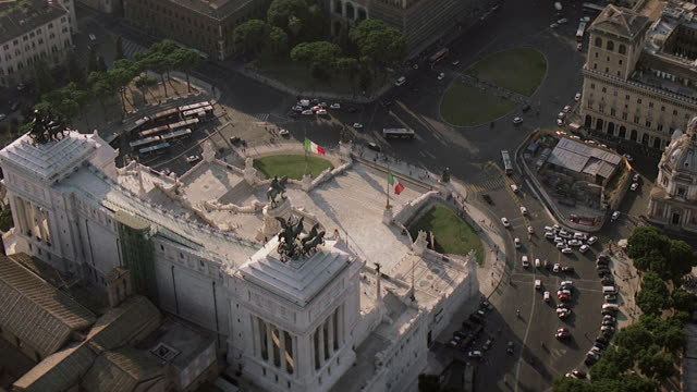 ws aerial view of piazza venezia / rome, italy - altare della patria stock videos and b-roll footage