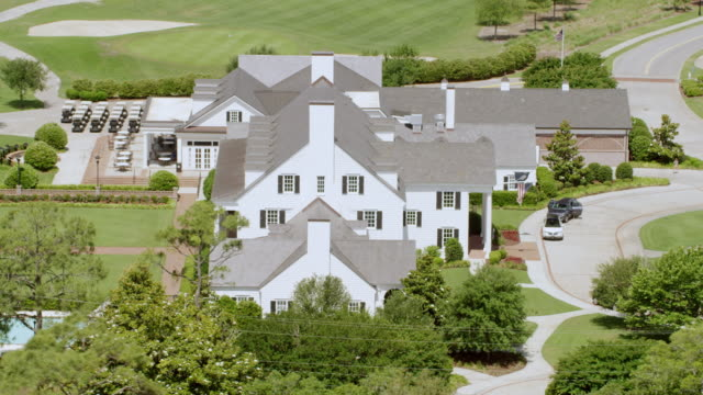 ws aerial pov view of pine lakes golf course / myrtle beach, south carolina, united states - clubhouse stock videos & royalty-free footage