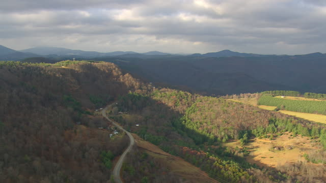 WS AERIAL View of Pisgah Nat Forest and Blue Ridge Parkway / North Carolina, United States
