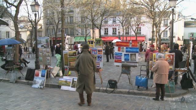 ws view of place du tertre, montmartre / paris, ile de france, france - ile de france stock videos and b-roll footage