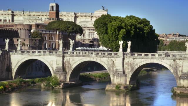 view of ponte sant'angelo - サンタンジェロ橋点の映像素材/bロール